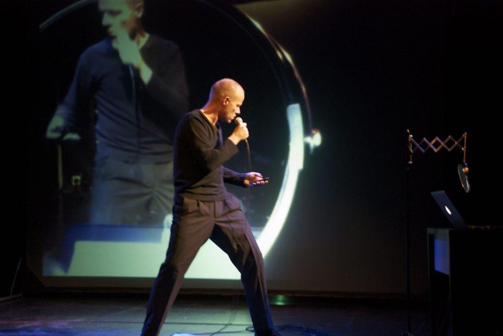 iPhone Jammin' on stage